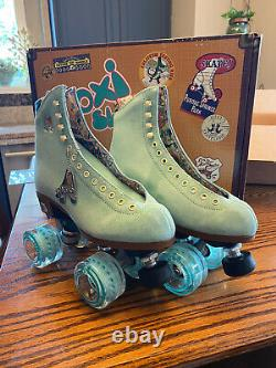 BRAND NEW NEVER WORN Moxi Lolly Roller Skates Size 6 Floss New In Box