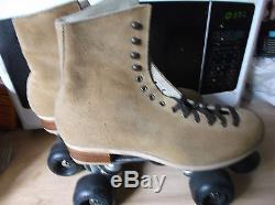 Men Riedell Suede Roller Skates size 9/Women size 10. Heel to toe 10 1/2 inches