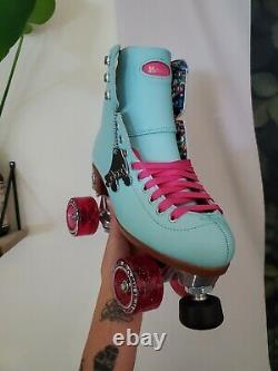 Moxi Beach Bunny Roller Skates Blue Sky Size 7 (W 8)