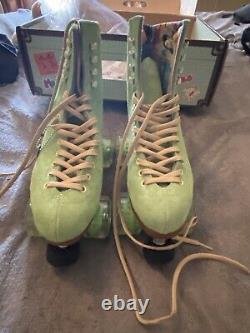 Moxi Lolly Roller Skates Honeydew Size 7 fits womens 8 8.5
