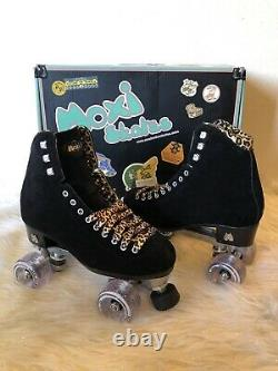 Moxi Panther Black Roller Skates Size 7 (Womens 7.5-8.5) Riedell Lolly Leopard