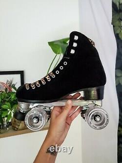 Moxi Panther Rollerskates Size 7 (Fits W 8-8.5)