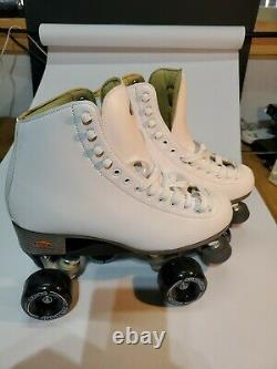 NEW WOMEN'S RIEDELL Roller Skates STOCK # 111W PO# 29077 WHITE size 9 sure-grip