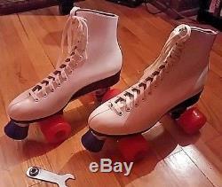 RIEDELL ROLLER SKATES MODEL 120 White SIZE 9 Great Padded Skate High End