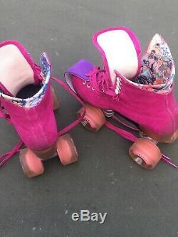 Riedell Moxi Lolly Fuchsia Suede Roller Skates