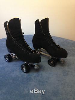 Riedell, Snyder, Men's 10 1/2 Black Suade Medium Roller Skates