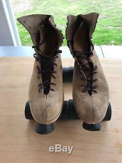 Vintage Men's Riedell Tan Suede Red Wing roller skates size 11