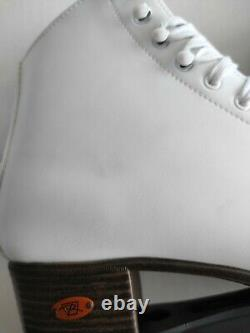 Vintage Womans White Riedell Roller Skates White Size 11 Same Day Shipping