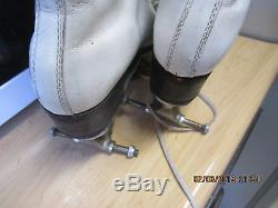 Women Riedell Leather Artistic Boot Szie 7 heel to toe 9 1/2 inches