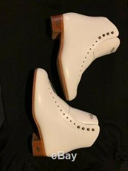 Womens Riedell 220 Boot size 8